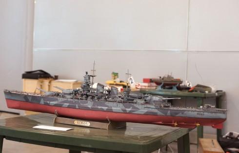 радиоуправляемая модель коробля времен 2 Мировой войны