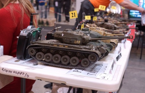 радиоуправляемая модель танка