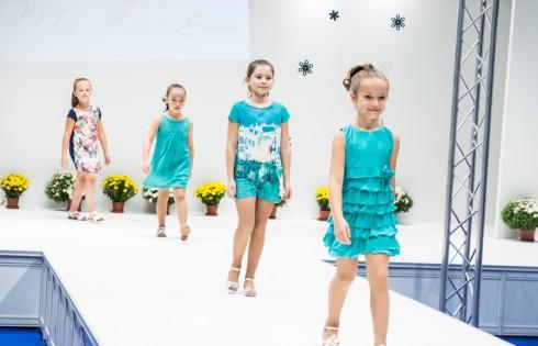 Показ модной детской одежды компании My Little Spain