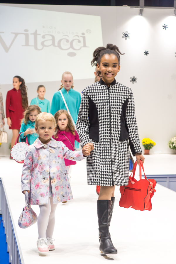 детская одежда для осени для девочек