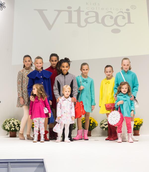осення коллекция пальто для девочек