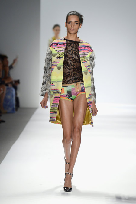 женский костюм в стиле этника весна 2014