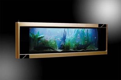 аквариум Gold Aquavista Panoramic Wall Aquarium ювелира Томаса Хьюза