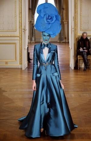 Цветы Парижа – модный показ от  Alexis Mabille
