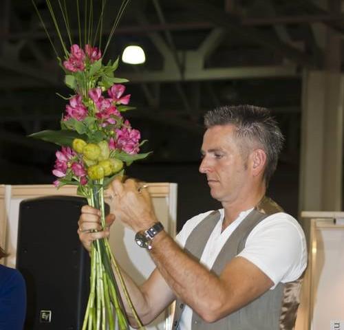 Как сделать букет из живых цветов своими руками
