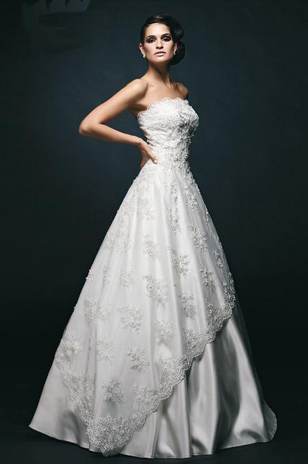 """пышное свадебное платье из кружева """"Дождь роз"""""""