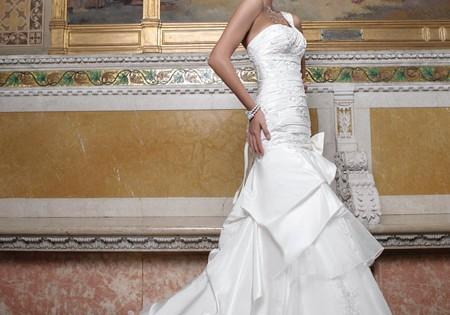 свадебное платье из многослойного матового тюля