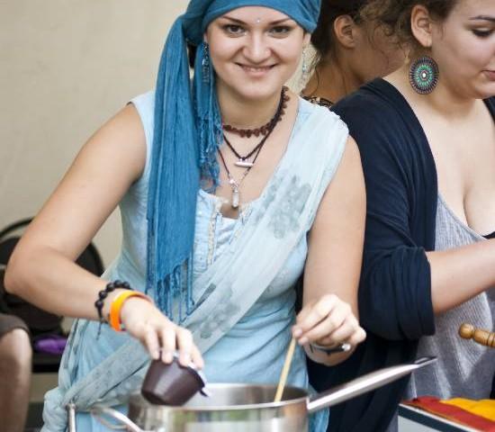 Фестиваль мировой еды и путешествий в Саду Эрмитаж