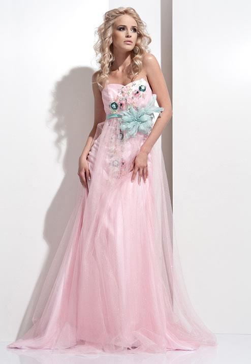 гламурное розовое платье на выпускной 2013 года