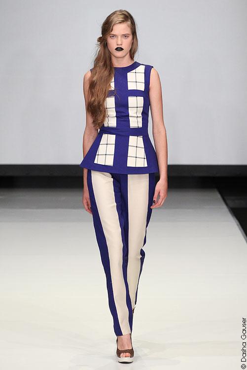 брючный костюм из коллекции Весна-лето 2012