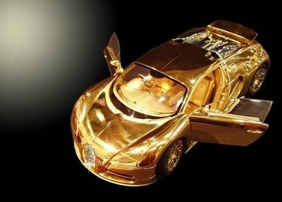 золотую копию Bugatti Veyron Стюарта Хьюза