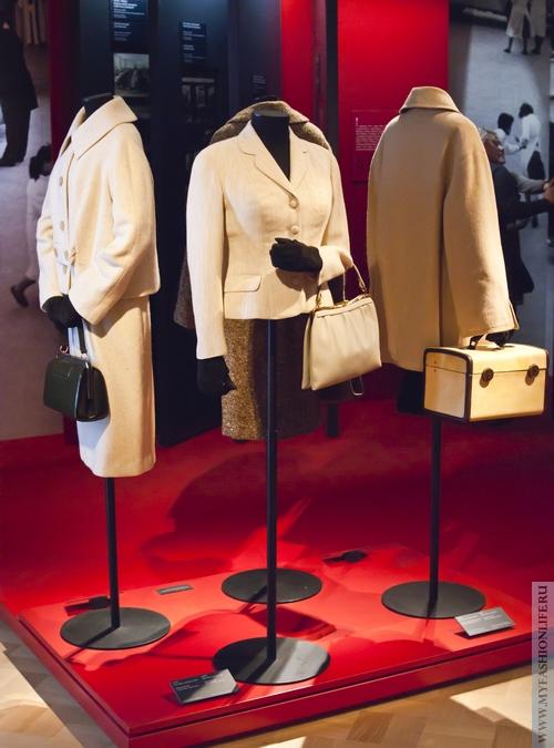 Просматривая фото моды 50 годов Max Mara можно уверенно сказать, что.