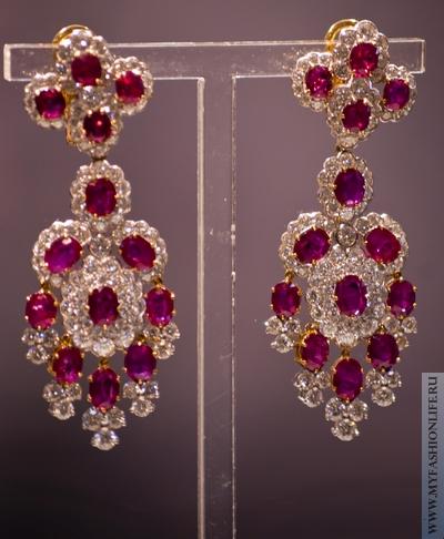 серьги с драгоценными камнями из коллекции Элизабет Тейлор