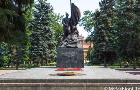 памятник борцам