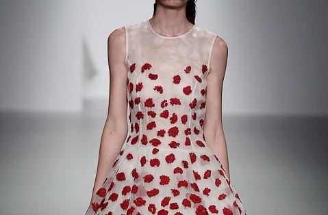 платье с декором весна 2014
