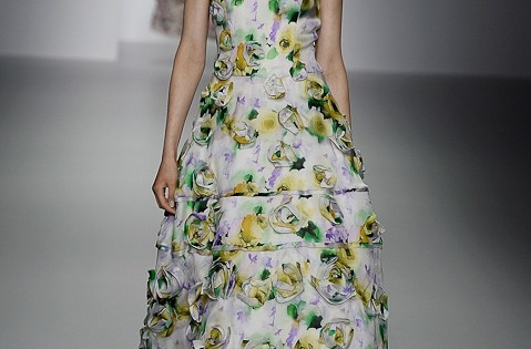 цветочный принт на платьях весна 2014
