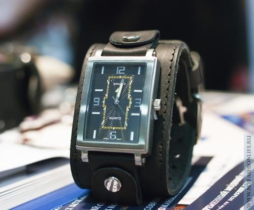 женские часы с квадратным циферблатом Nemesis