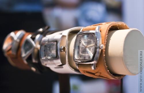 коллекция женских наручных часов